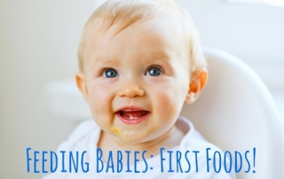 First Foods for Baby- Do you choose purees and traditional weaning or go for solid foods and a baby led weaning style? I'm talking about all the different feeding styles with a guide for what first foods you should feed your baby from the very beginning.