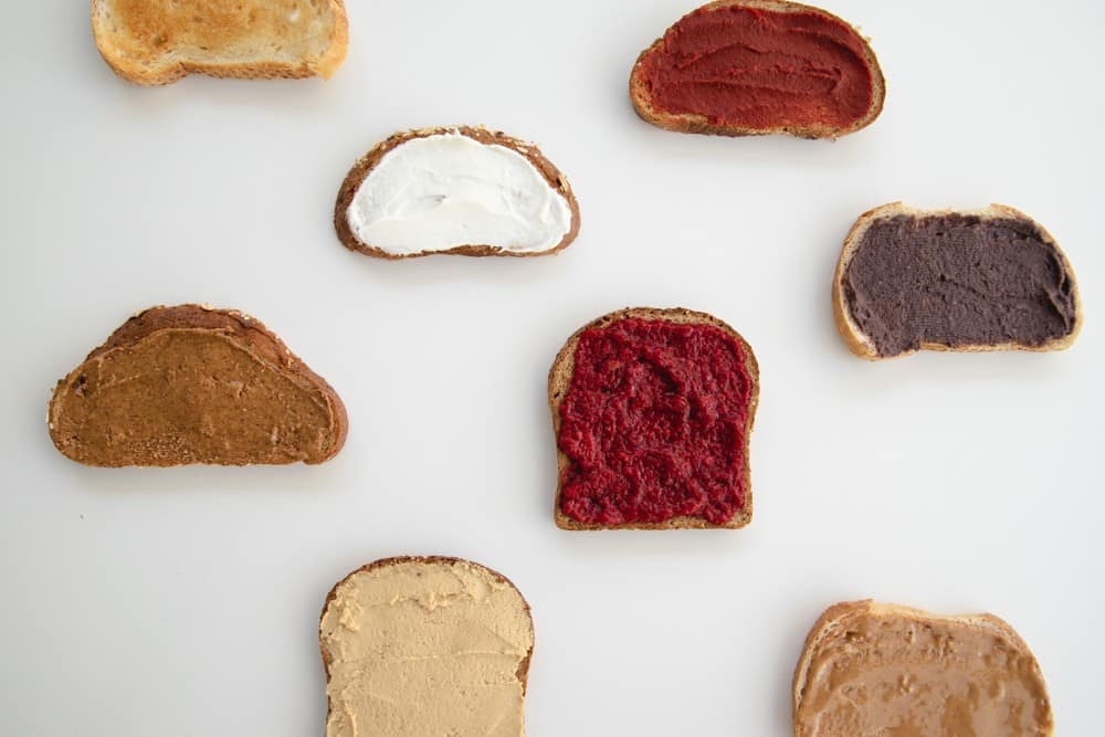 The healthiest bread for babies can be complicated and confusing! Do you know how to choose bread that is safe for baby? Get recommendations from a dietitian by clicking through. Be confident in what you're feeding your baby! #babyledweaning #babynutrition #breadforbabies