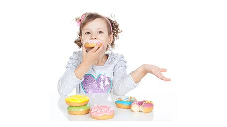 It can be hard in a sweet obsessed world to raise healthy and well rounded eaters. Learn here the best way to serve dessert for kids! No obsession with it, or restriction of dessert, needed. Help your child to have a healthy relationship with food for life.