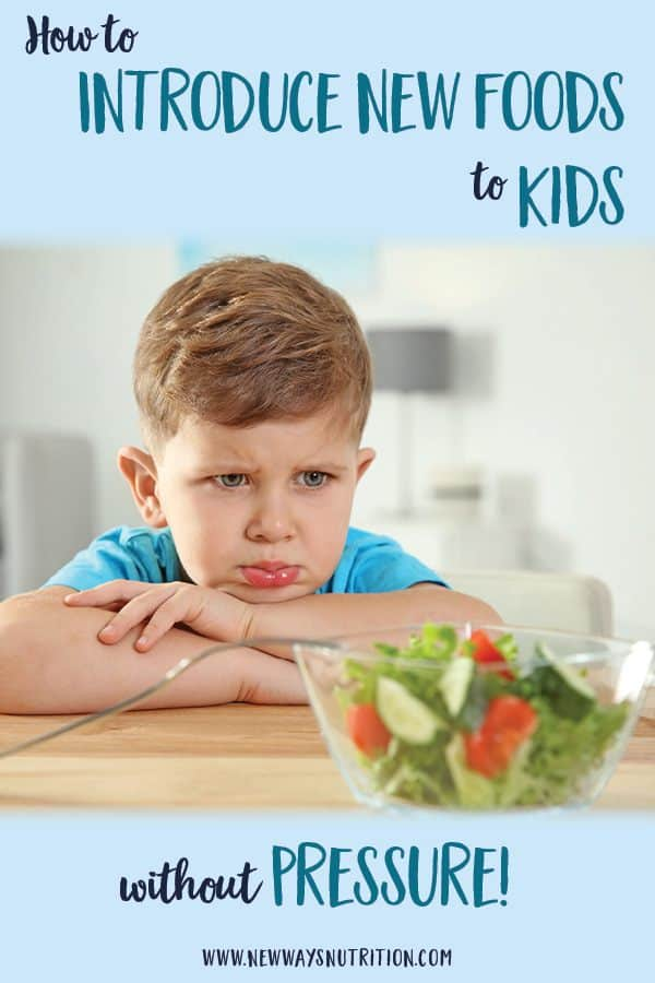 What should you do when your toddler is a picky eater? How do you try introducing new foods to kids without resorting to pressure and mealtime battles? Get these tips from a pediatric dietitian to help end mealtime battles and make meal times stress-free!