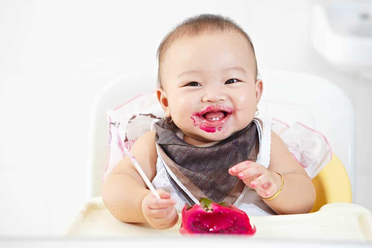 baby with pitaya